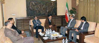 Director of Diplomacy Institute at Afghanistan MFA visits UT Faculty of World Studies