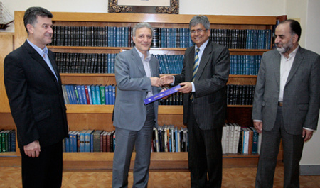 Ambassador of India met with the President of University o f Tehran