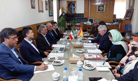 A high ranking delegation from The University of Santiago de Compostela – USC , Spain  met with President of University of Tehran